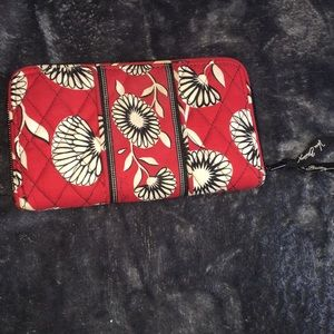 Vera Bradley quilted wallet red flowers EUC